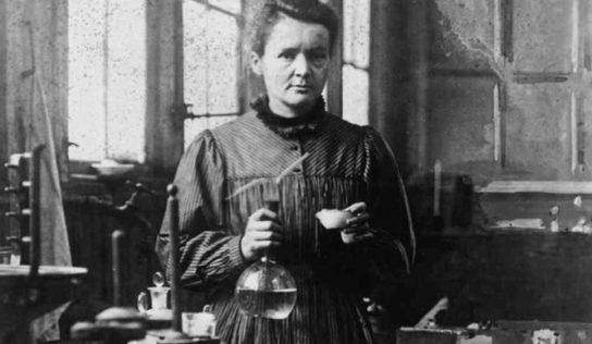 İlk Nobel Ödülünü Alan Kadın Marie Curie